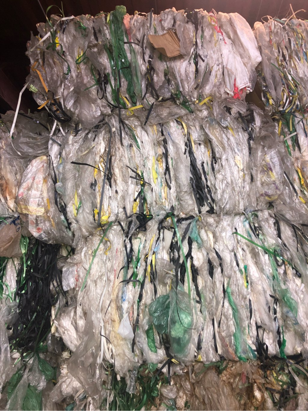 Ldpe films  mix with strapping  10132