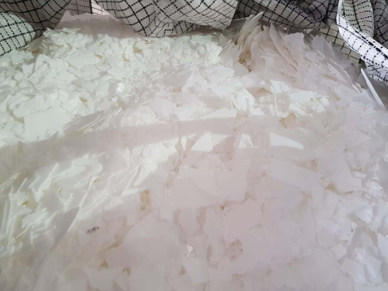 HDPE WAX- DRY / WET FLAKES  1763