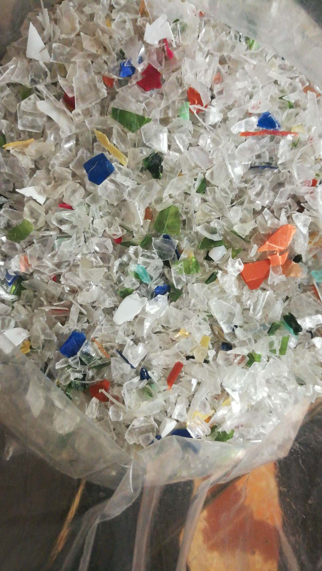 Post Indusrial PET Flakes 8206