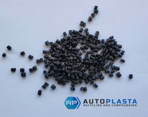 PP black pellets 11040