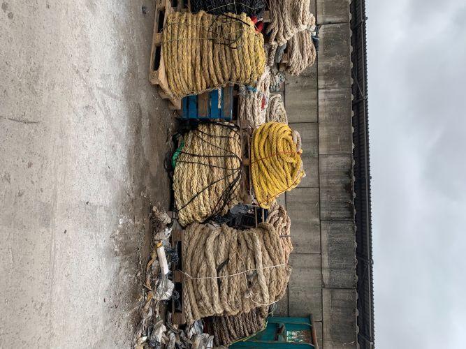 PP rope on pellets 23505