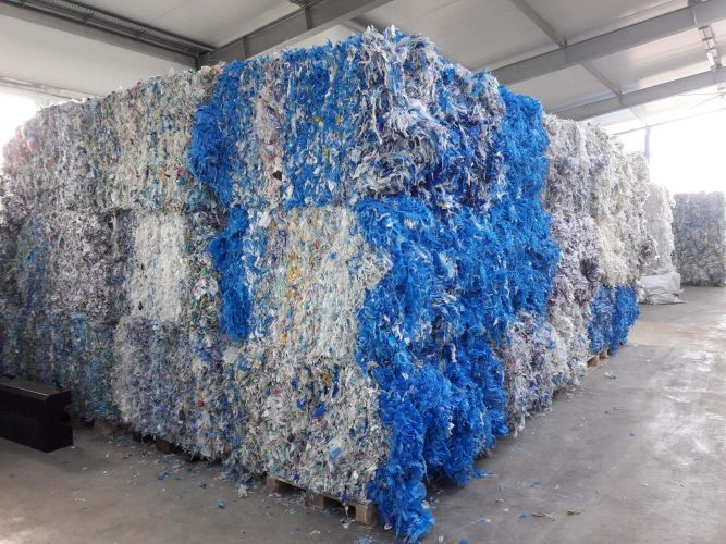 LDPE flake colour 11266