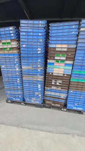 Plastic Pallet and Plastic Bin for Sale 19563
