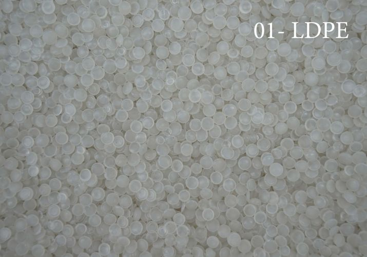 RECYCLED LDPE GRANULES 13063