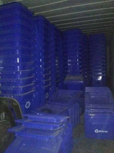 unused garbage cans 977