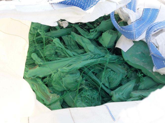 PET lumps green 8948