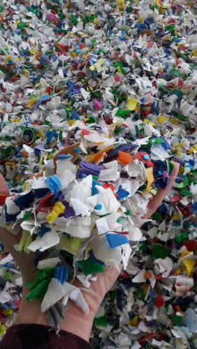 hdpe mix color bottle regrind 7354
