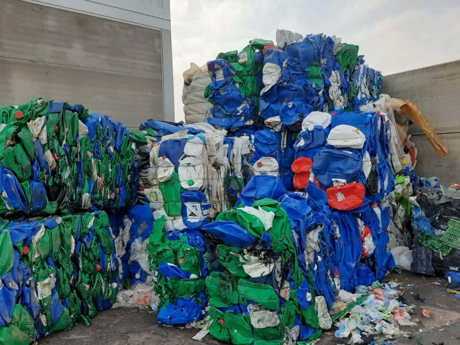 hdpe in bales 15854