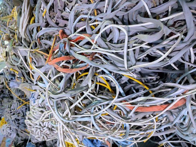 PVC BASED ZERO HALOGEN LUMPS 22102